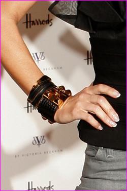 Victoria Beckham's Hermès Collier de Chien Bracelet | Flickr David Beckham