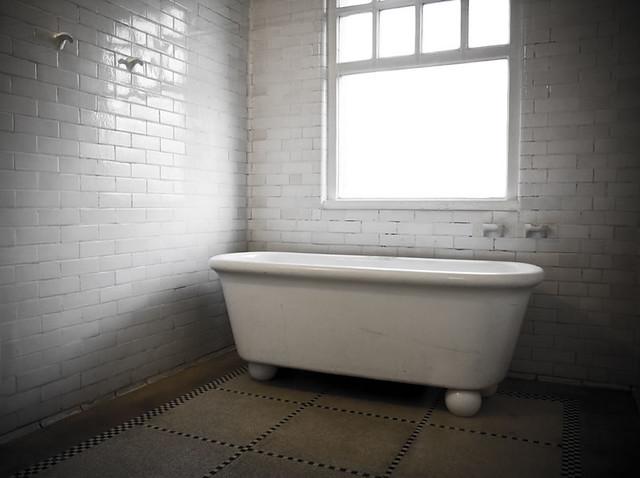 Baignoire 1 baignoire pour dames dans l 39 ancienne piscine for Architecte 3d 2001
