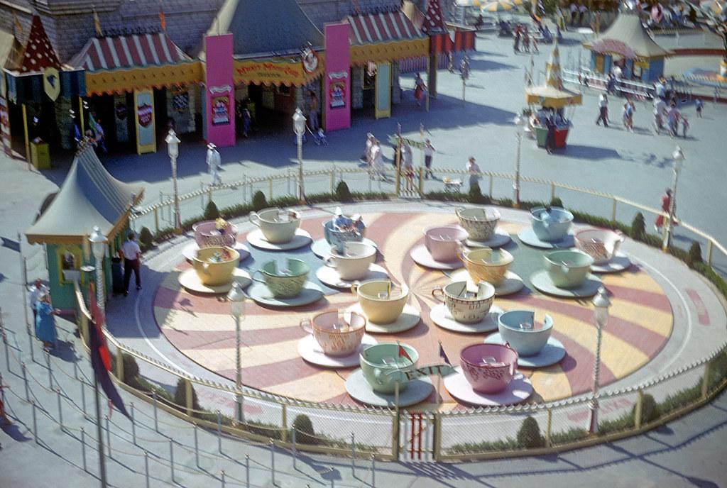 Mad Tea Party Disneyland Mad Tea Party - Disney...