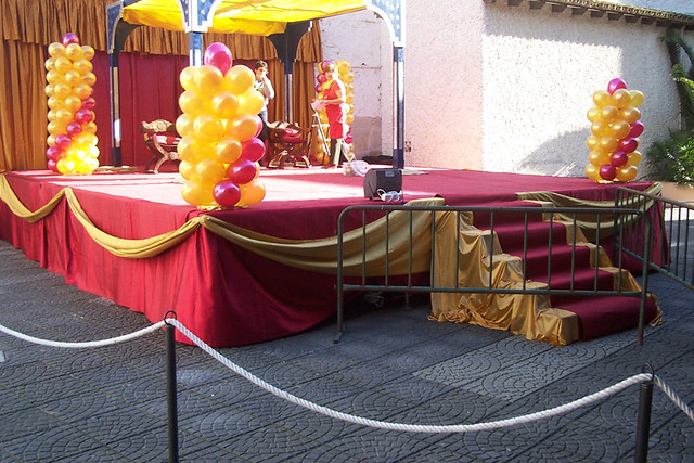 Fiesta St Forum >> Decoración de escenario | Sencilla y bonita decoración de