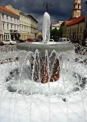 Nepilkit putų į fontaną!