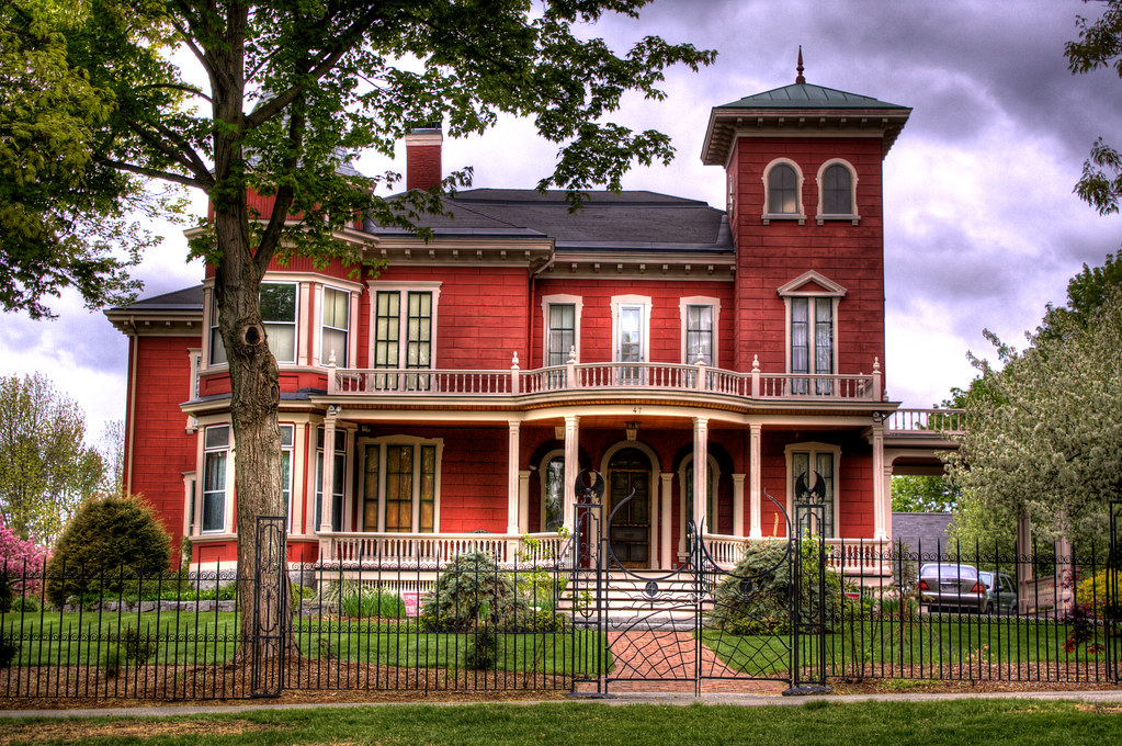 Stephen King Home | This is Stephen King's residence in ...