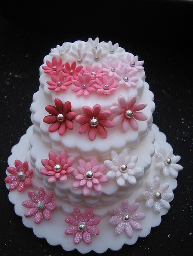 Cake Decorating With Fondant Flowers : Set of fondant flowers Flickr - Photo Sharing!
