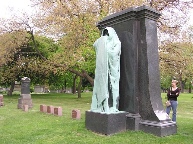 Graceland Cemetery, Grim Reaper 2005 | I guess you can run ...