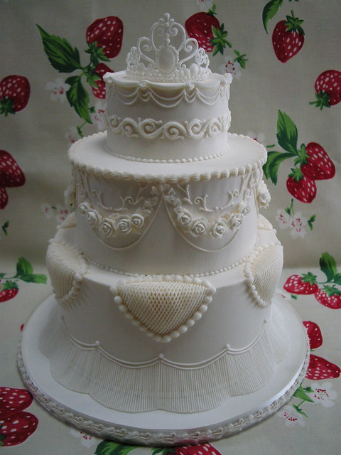 wedding cakes made with royal icing royal icing wedding cake 2 akina flickr 24966