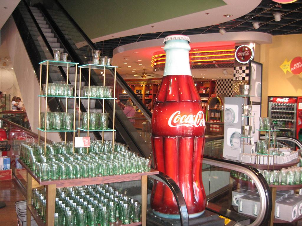 Coca-Cola Flagship Store (Las Vegas) | Missione POPAI ...