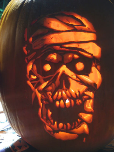 Mummy knows best pumpkin carving carved by st0ney Pumpkin carving designs photos