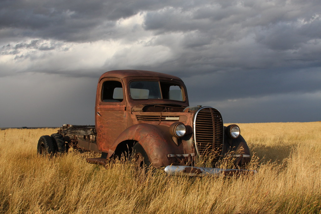 Rusty old 1939 Ford truck | Rusty old 1939 Ford truck in a ...