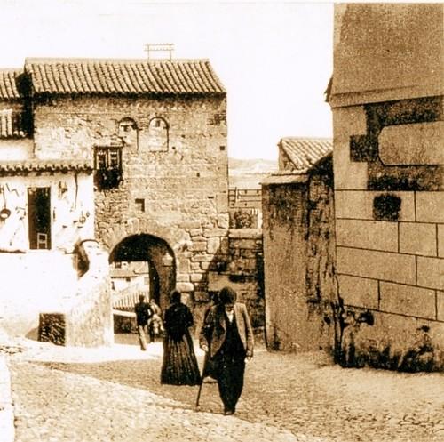 Mezquita del Cristo de la Luz, Toledo, en el siglo XIX con ...
