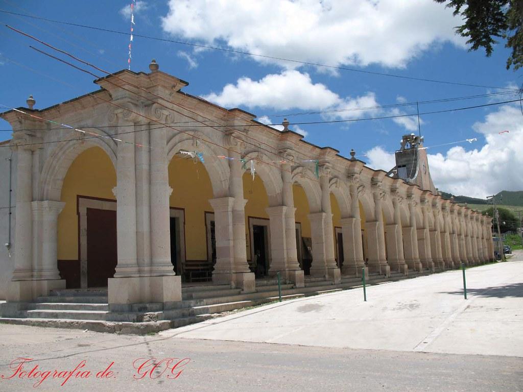 Portal que alberga oficinas del municipio de tejupan flickr for Oficinas del ayuntamiento