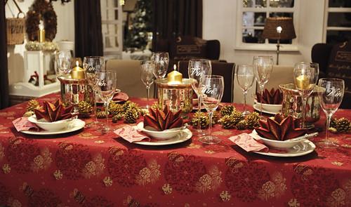 Decoraci n tradicional para la mesa de navidad idenav - Mesas decoradas para navidad ...