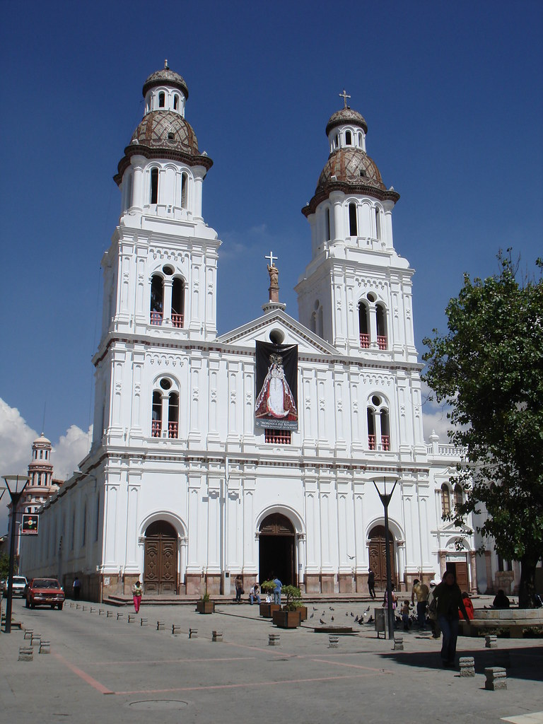 La iglesia de santo domingo santo domingo church cuenc for Ministerios del ecuador
