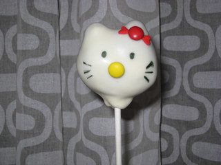 Hello Kitty cake pops | by kristin_a (Meringue Bake Shop)