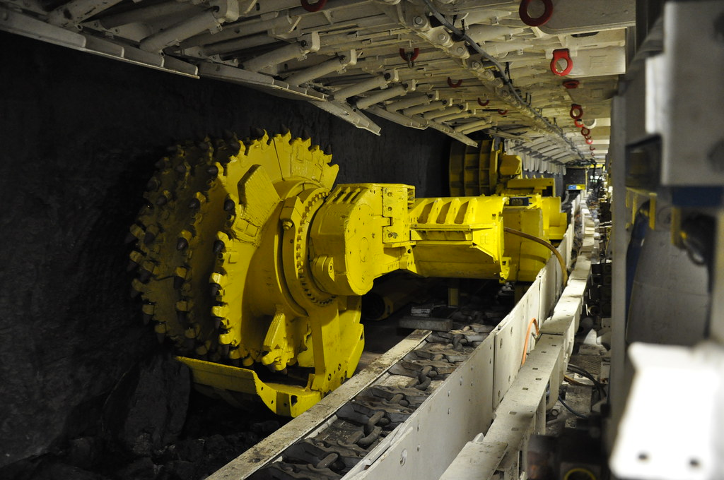 Longwall coal mining equipment | 19 maj 2011, Deutsches ...