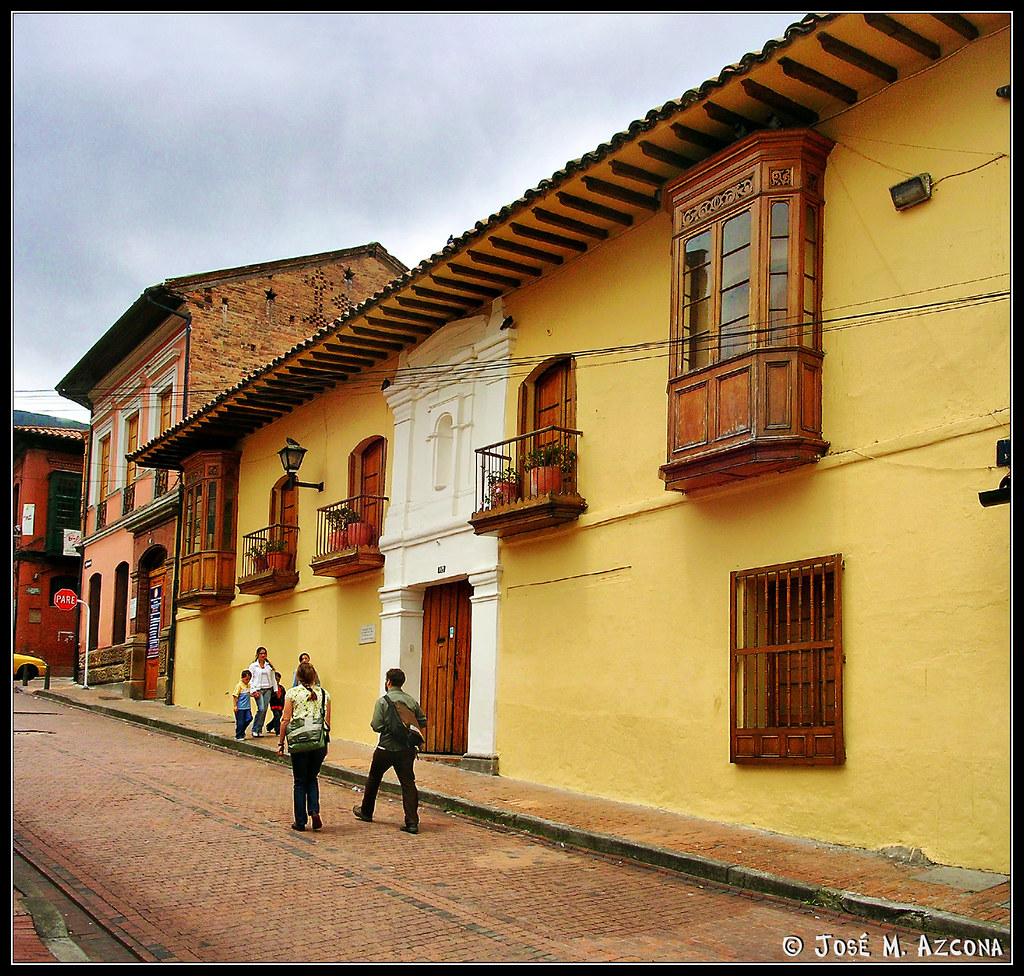 Bogot colombia barrio de la candelaria view on for Inmobiliaria 7 islas candelaria