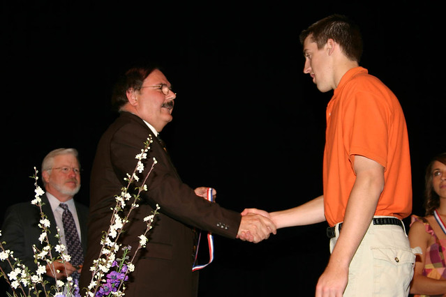 Lincolncollege1865 Kyle Boberg Of Monticello Accepting The Honor Valedictorian For 2008