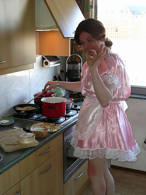 Cooking Maid  Maid Fabienne Has Her Cooking Fully Under -7884