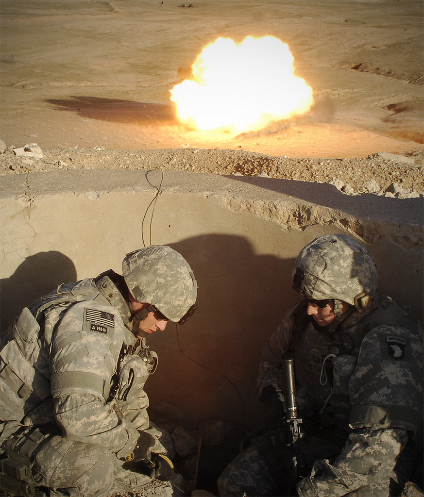 Military Detonation Cord : Iraq u s air force airmen from the th expeditionary