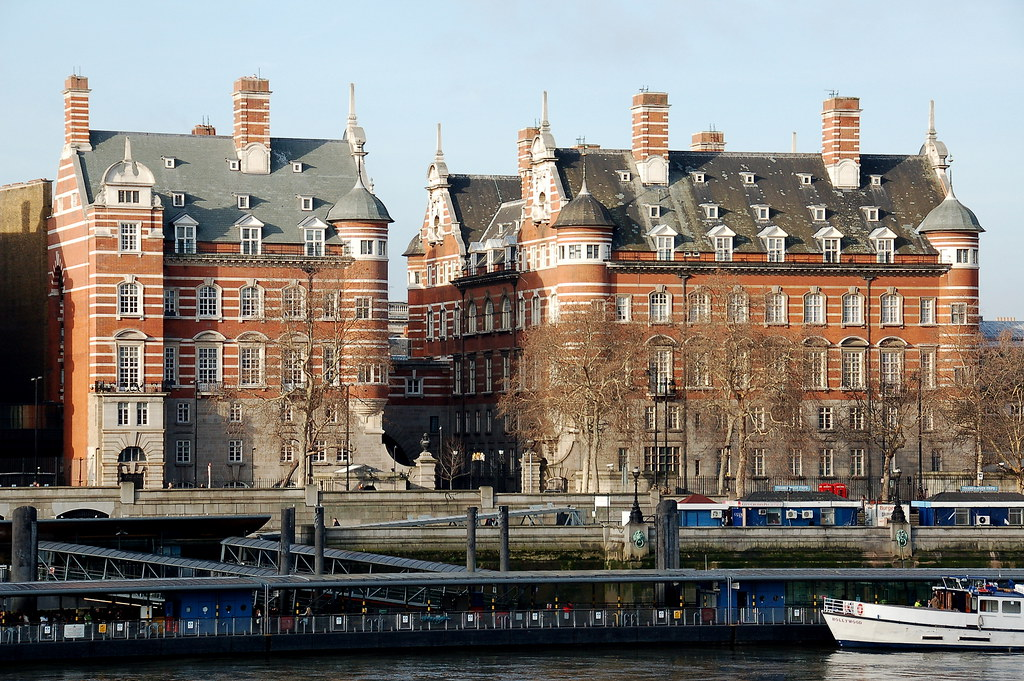Norman Shaw Buildings ...
