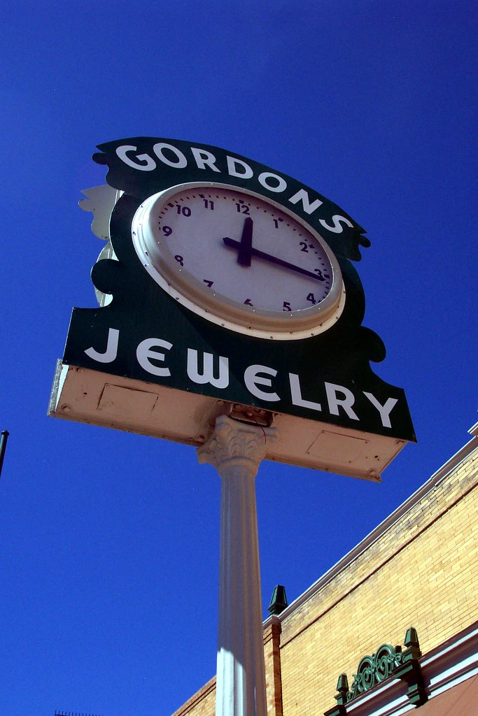 Gordons jewelry time a clock in downtown las vegas nm for Jewelry jobs las vegas