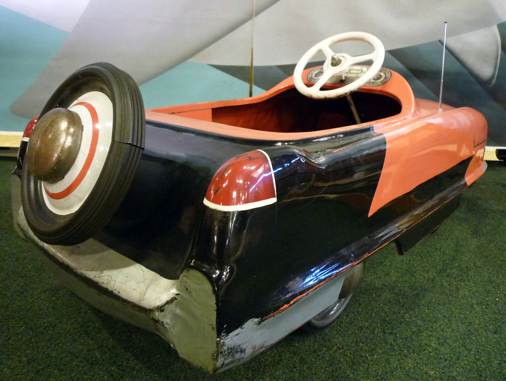 What Car Was Thuy Trang Driving When She Died