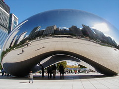 """Cloud Gate"" called ""The Bean"" by Anish Kapoor, Millennium Park, Chicago 