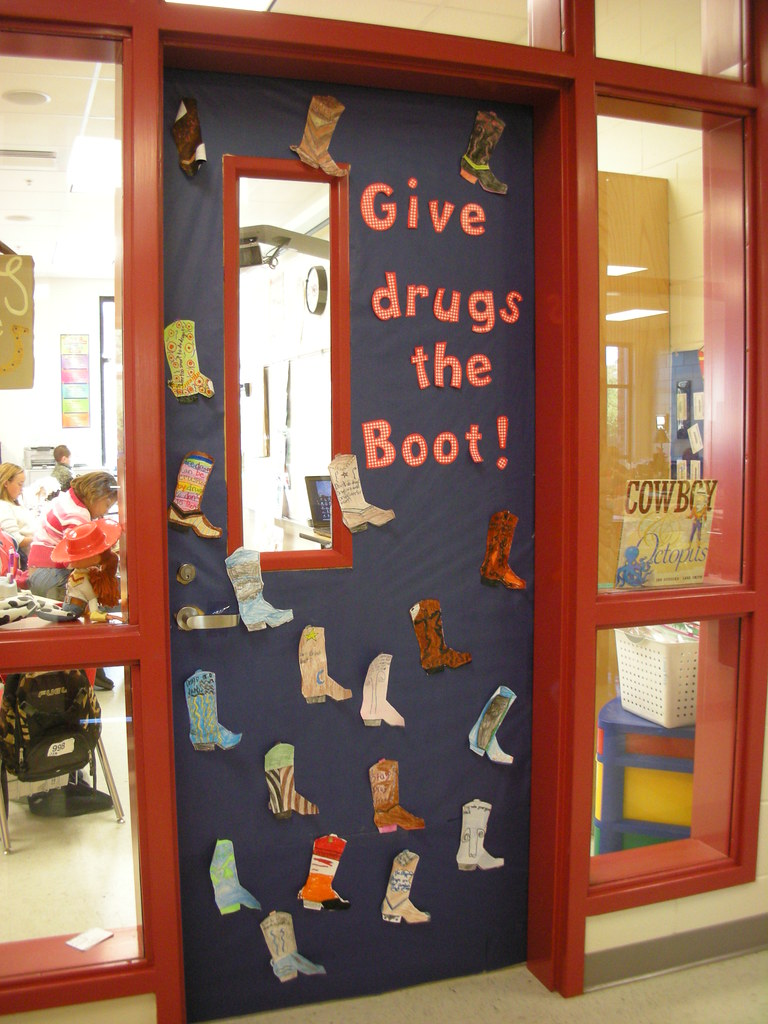 Door Decorations For Red Ribbon Week Give Drugs The Boot