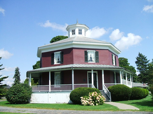 The octagon house camillus flickr photo sharing for Octagon homes