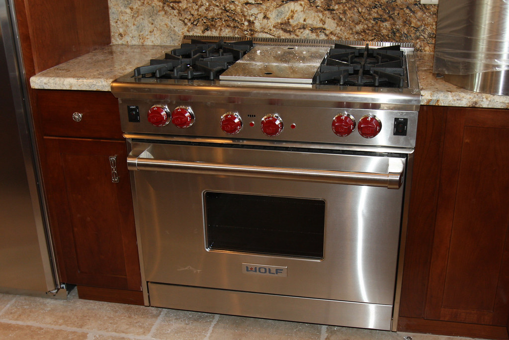 Sub Zero Appliances >> Wolf Oven | 36 inch Stainless Steel Wolf gas range and ...