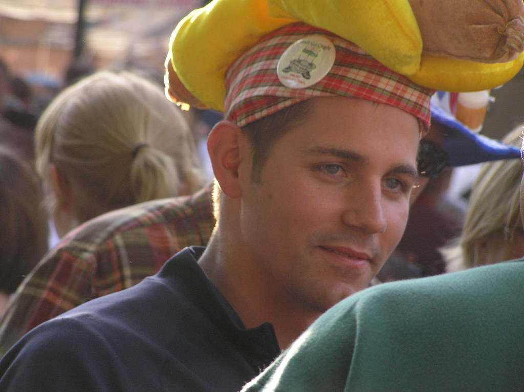 Best Beauty With Wurst Hat German Maifest Lincoln