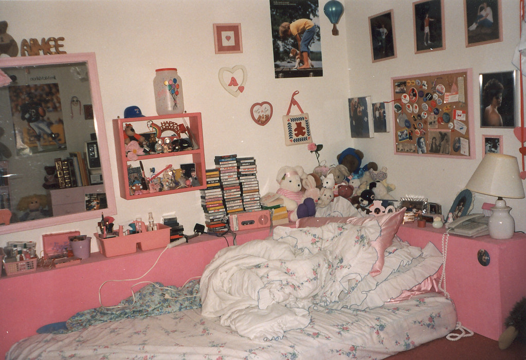 My bedroom 1988 i saw this bed in seventeen magazine and flickr for Design my bedroom online free
