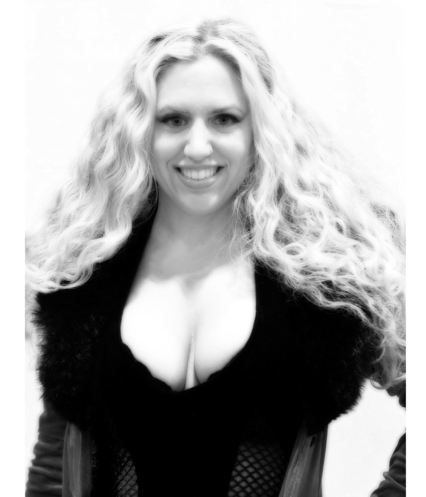 Melantha Blackthorne Nude Photos 36