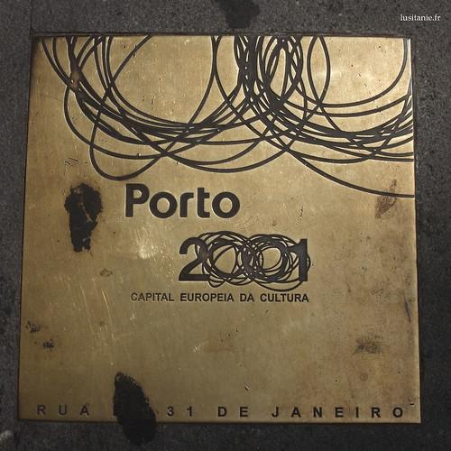 Plaque au sol pour Porto 2001