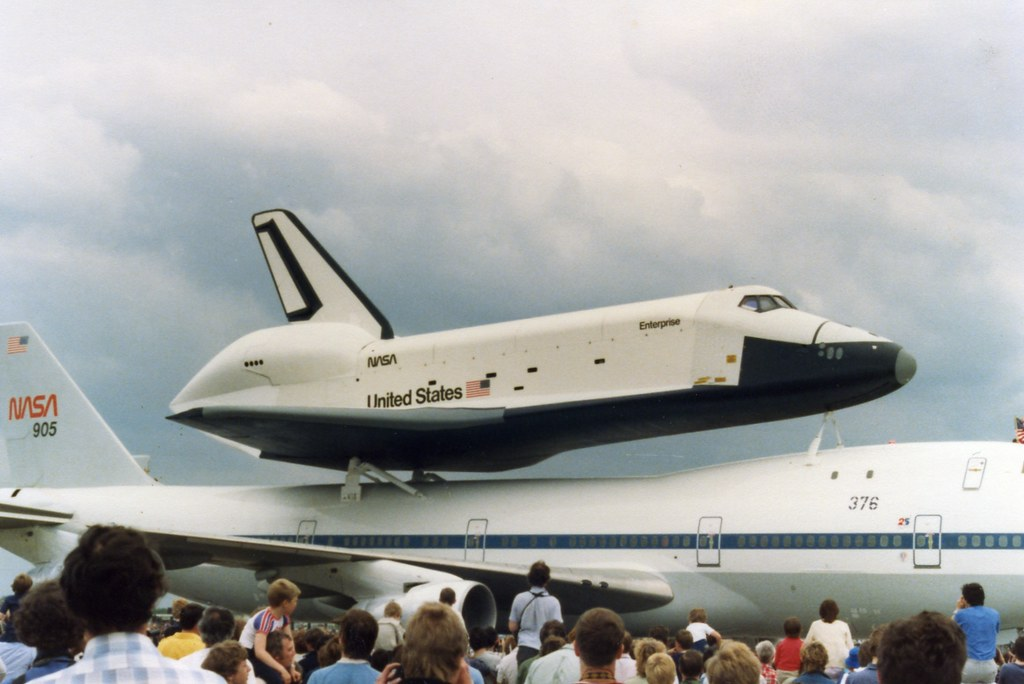 space shuttle landing at stansted - photo #19