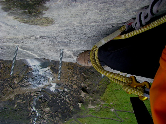 Klettersteig Allmenalp : Tiefblick im klettersteig kandersteg u e allmenalp kantou flickr