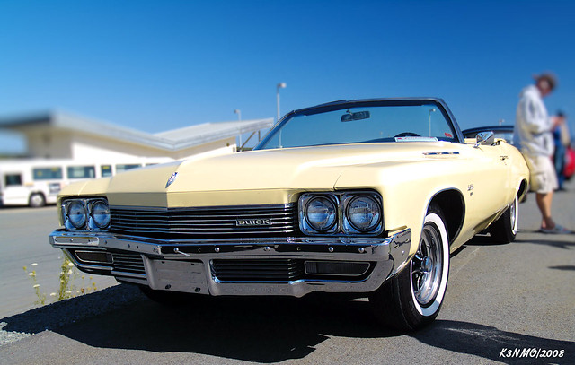 Ae D Z on 1972 Buick Lesabre
