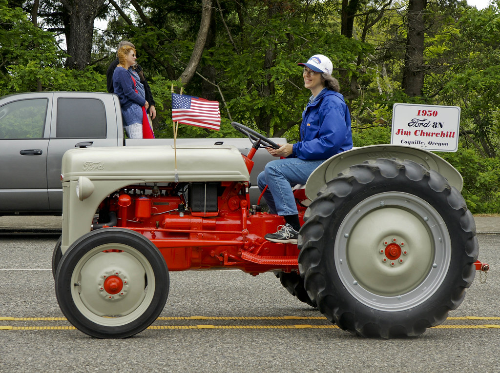 1950 Ford Tractor Tractor Vermilion : Ford n dsc july th parade port orford