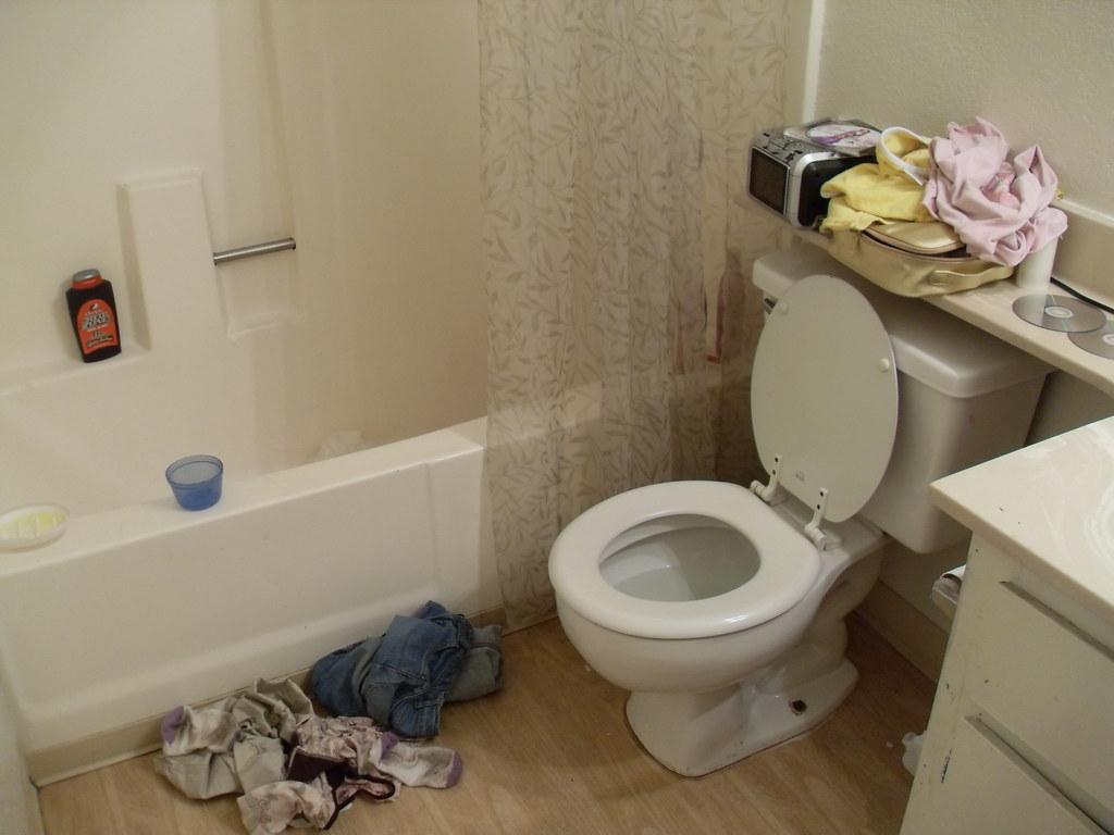 my bathroom my step sister and my little half sisters clot xxsasquatchxx flickr