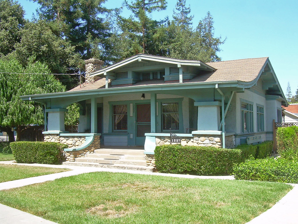 Craftsman house san jose california built c 1918 for Craftsman style homes for sale in california