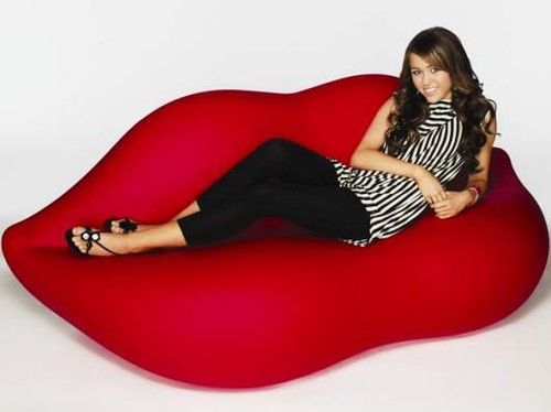 Lip Couch Miley Cyrus On A Lip Couch  Gabie___  Flickr