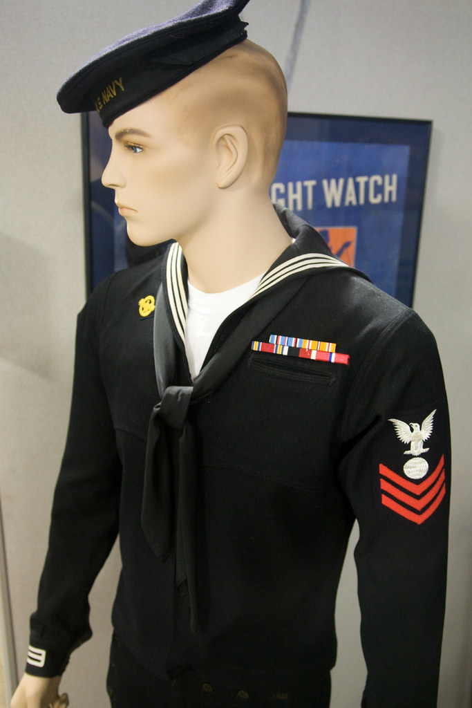 navy uniform Us navy enlisted dress blue uniform (also known as the crackerjack jumper uniform), made from premium certified 100% wool material.