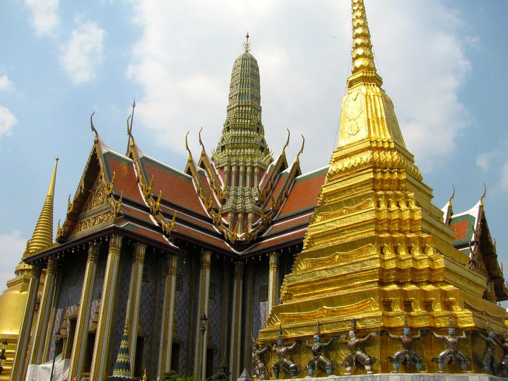 Prasat Phra Dhepbidorn  Hernán Castro  Flickr