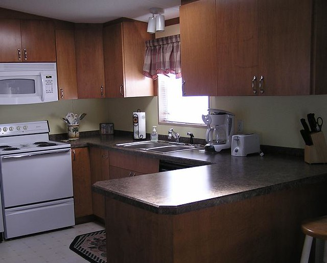 Mobile home kitchen maple cabinets florida for Mobile home kitchens pictures