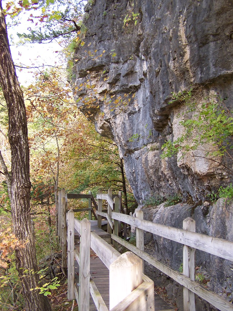 Missouri >> Ha Ha Tonka State Park - Missouri | Hiking above the spring.… | Flickr