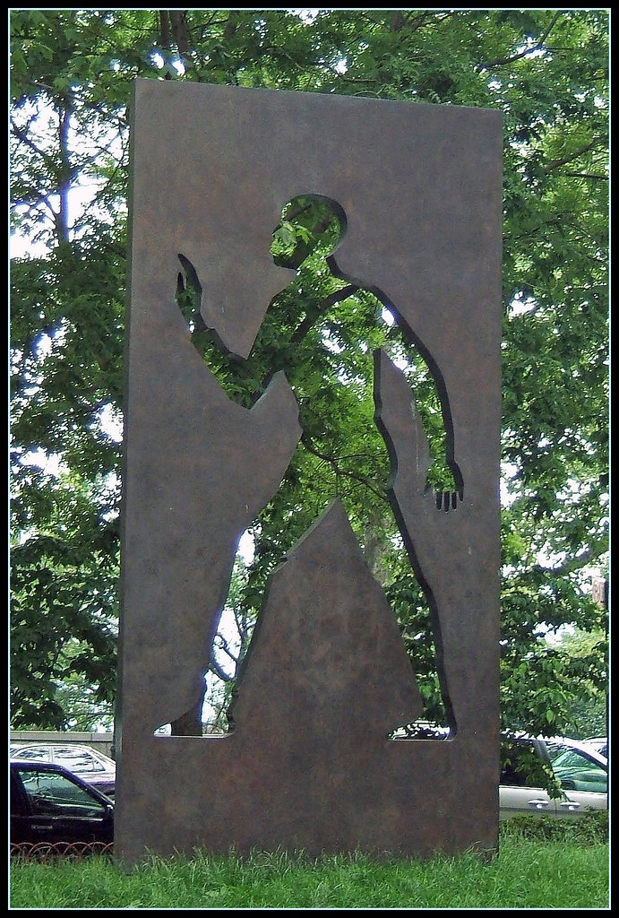 Invisible Man Sculpture Harlem Ny In 1998 The Ralph