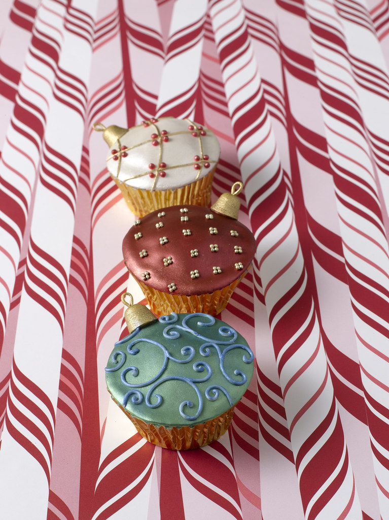 Ornament Cupcakes From Confetti Cakes For Kids See