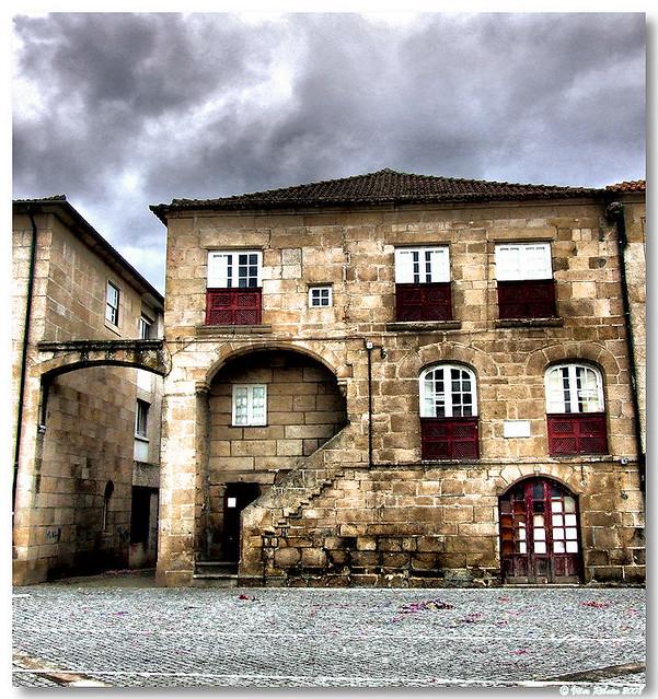 Vila real casa vila real portugal casa na avenida for Casa actual