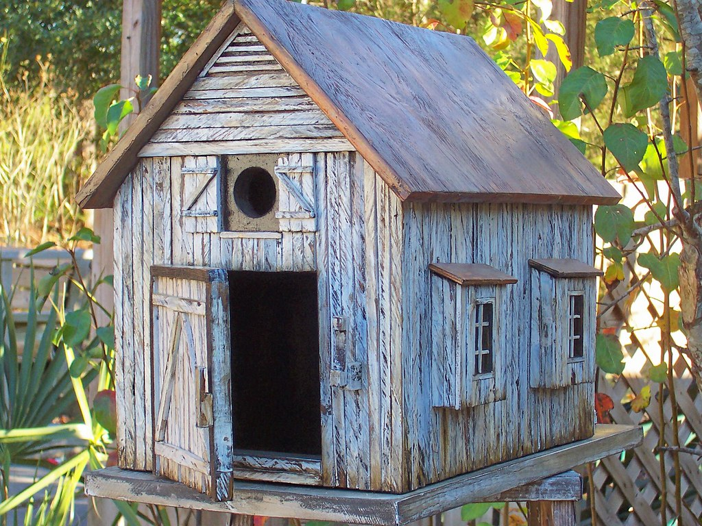 Barn birdhouses joy studio design gallery best design for Types of birdhouses for birds