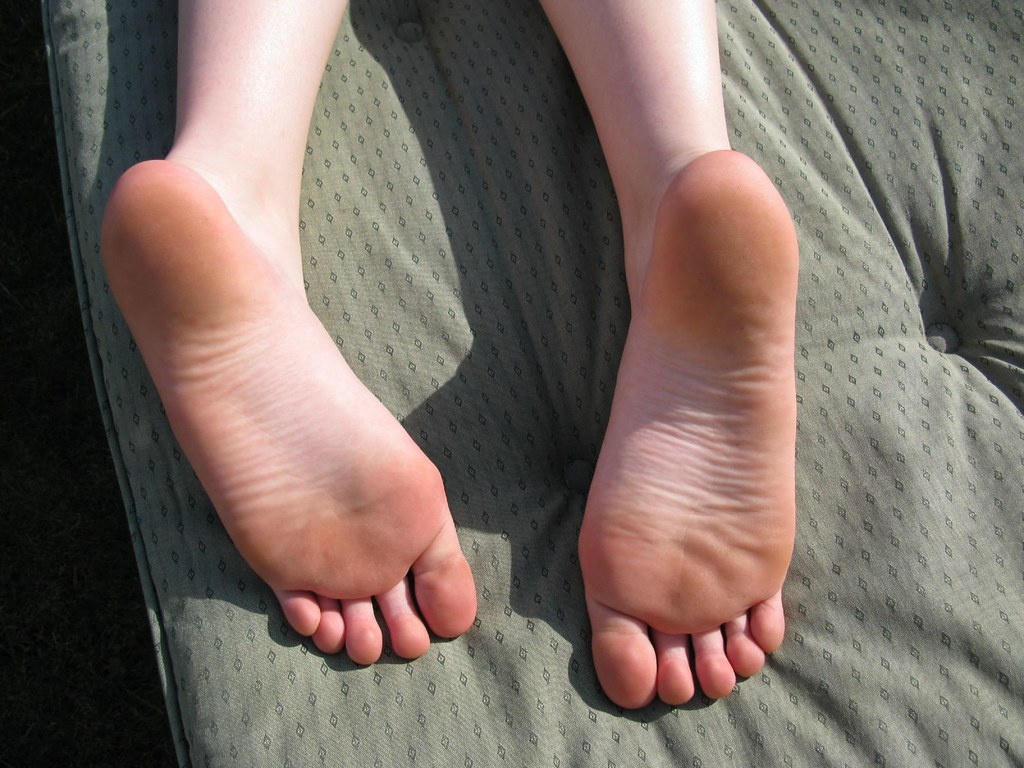 Hd Bare Teen Feet 80