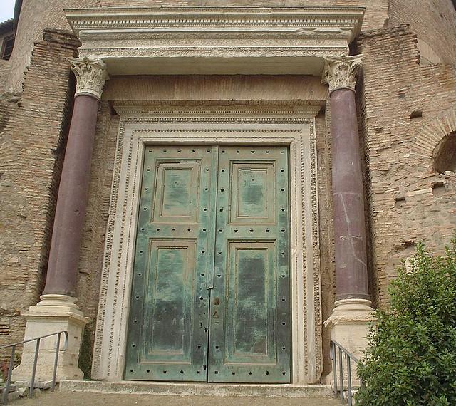 Ancient Roman Doors : Ancient roman doors in rome so very